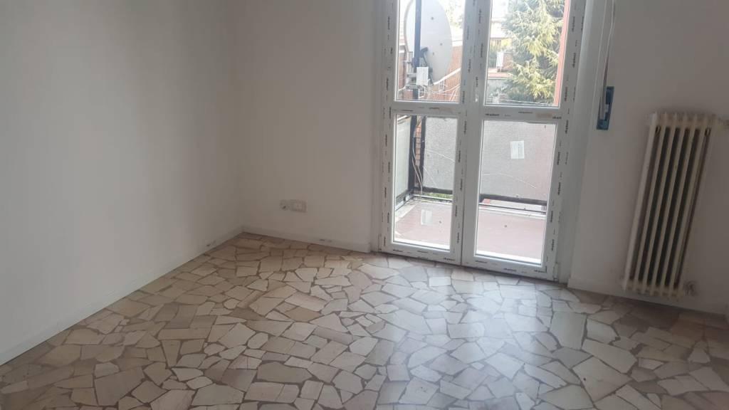 Appartamento in buone condizioni in vendita Rif. 8158267