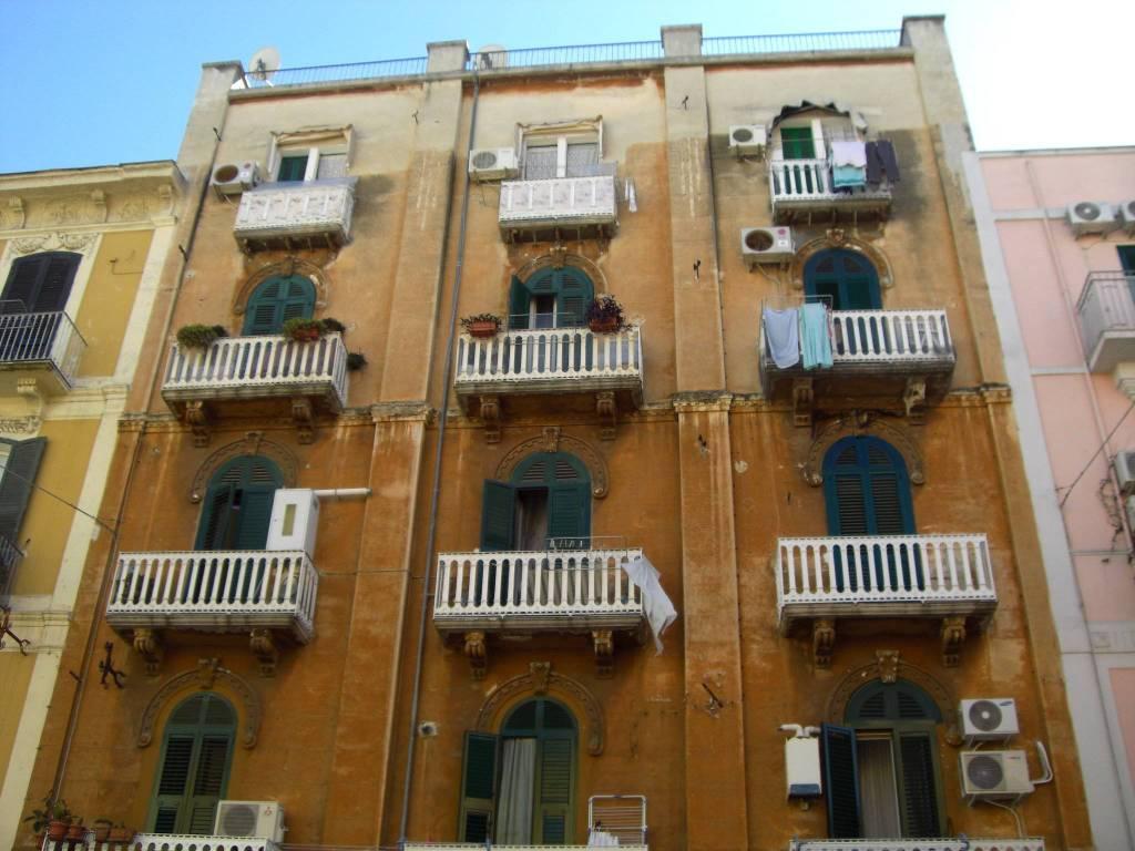 Affitto trivani arredato Bari Centro