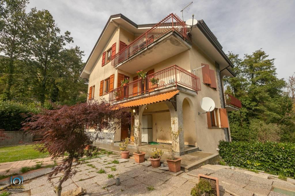 Appartamento in buone condizioni arredato in vendita Rif. 8156449