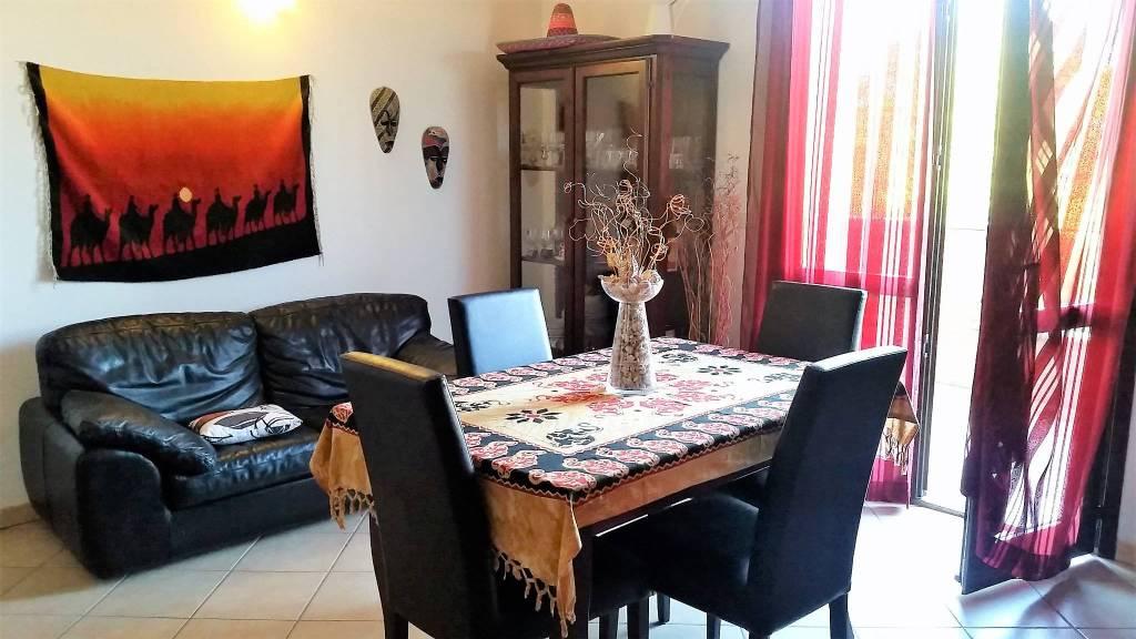 Appartamento in buone condizioni parzialmente arredato in vendita Rif. 8153345