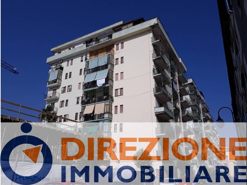 Appartamento in buone condizioni in vendita Rif. 8157023