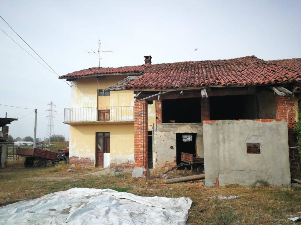 Appartamento da ristrutturare in vendita Rif. 8760615