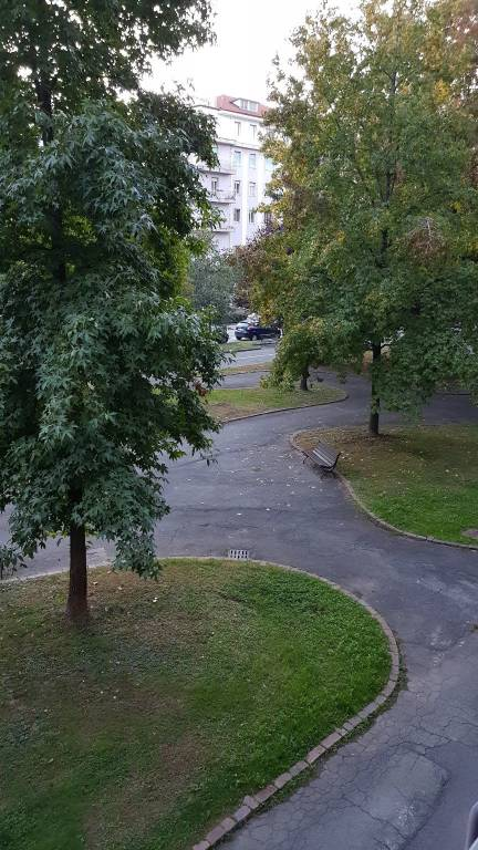 Appartamento in buone condizioni in affitto Rif. 8152862