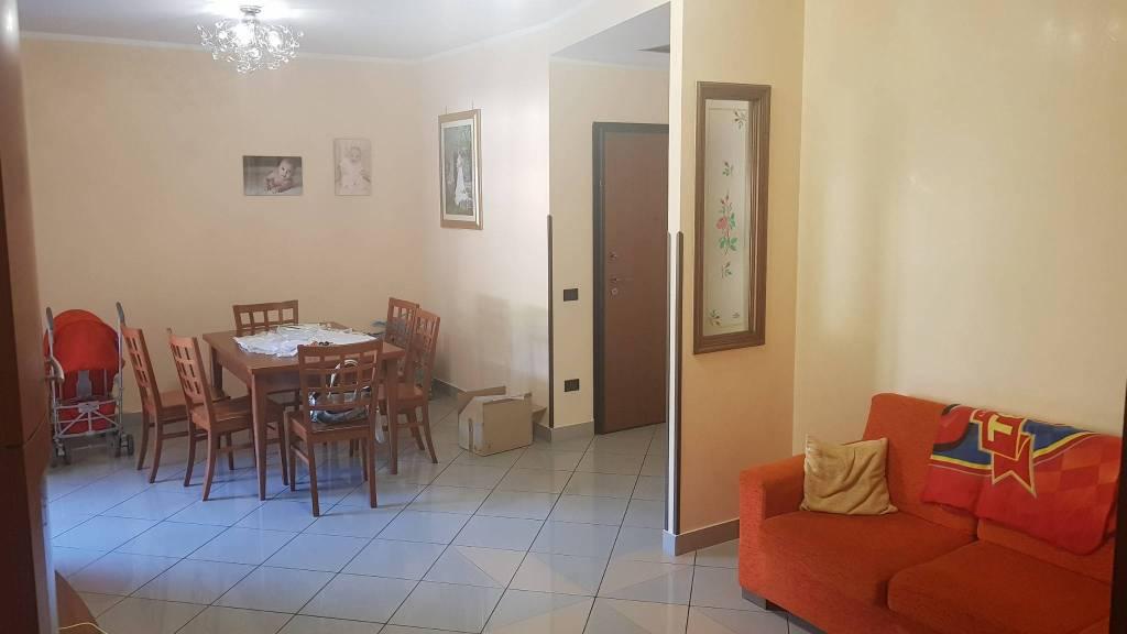 Appartamento in ottime condizioni in vendita Rif. 8154125