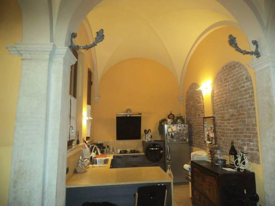 Appartamento in ottime condizioni arredato in affitto Rif. 8172376