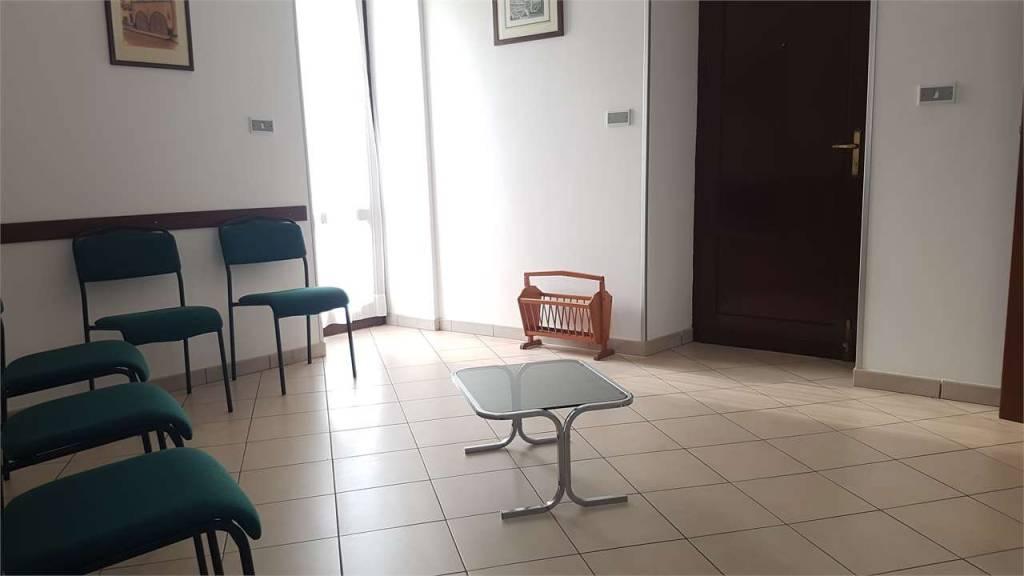 Appartamento in buone condizioni in vendita Rif. 8187240
