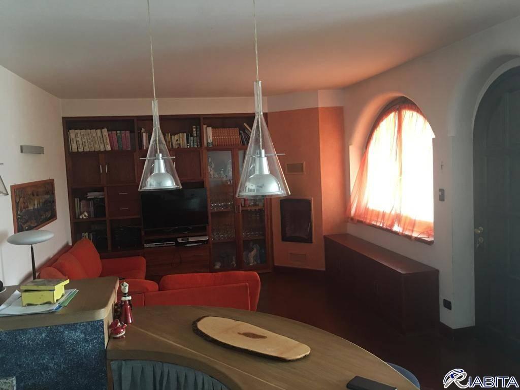 Villa in Vendita a Gragnano Trebbiense Periferia: 5 locali, 200 mq