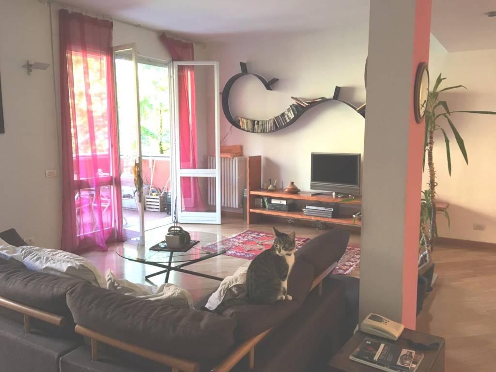 Appartamento in ottime condizioni parzialmente arredato in vendita Rif. 7945591
