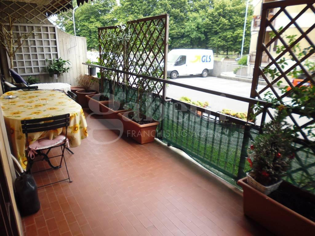 Appartamento in buone condizioni in vendita Rif. 8660613
