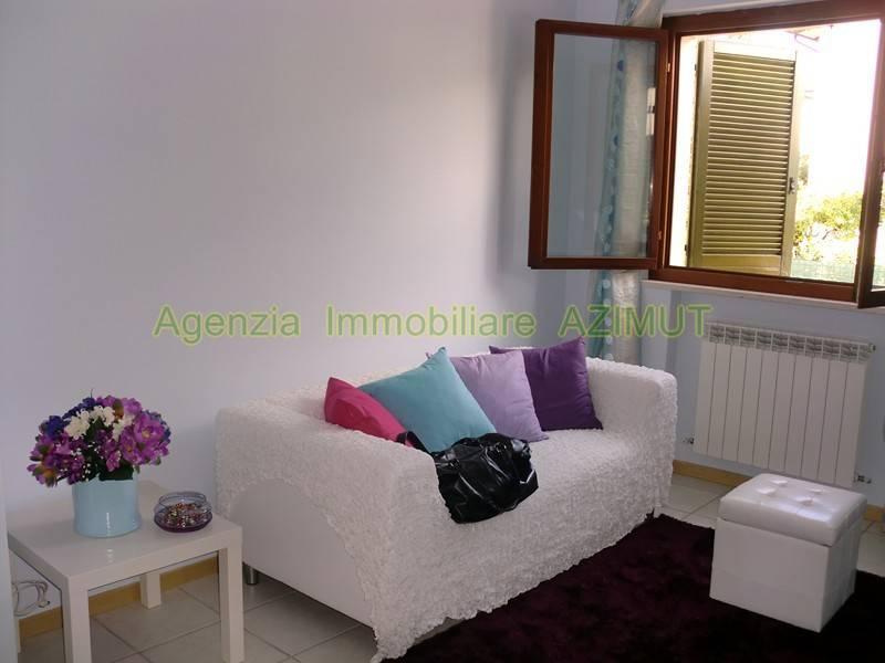 Appartamento in ottime condizioni arredato in affitto Rif. 8170343