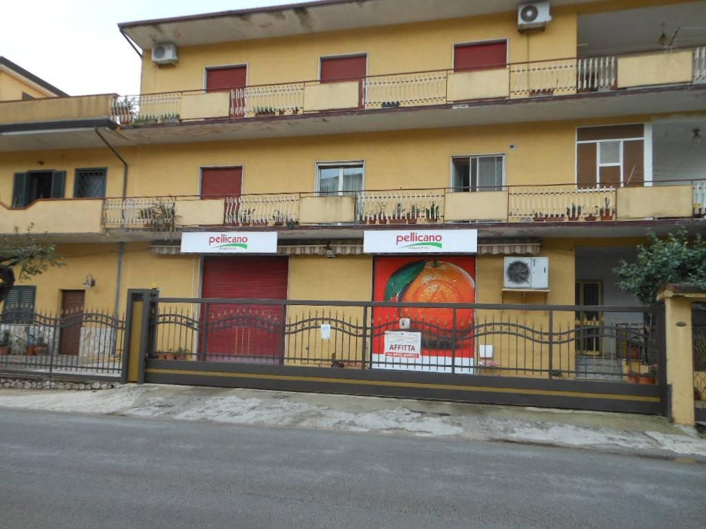 1609/MARZANELLO Locale commerciale di mq 170 sulla strada Pr Rif. 8170432