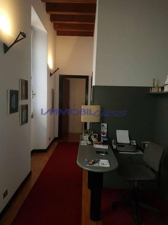 Appartamento in ottime condizioni in vendita Rif. 8173518