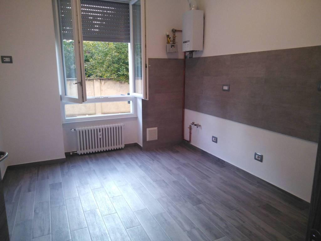 Appartamento in ottime condizioni in affitto Rif. 8173184
