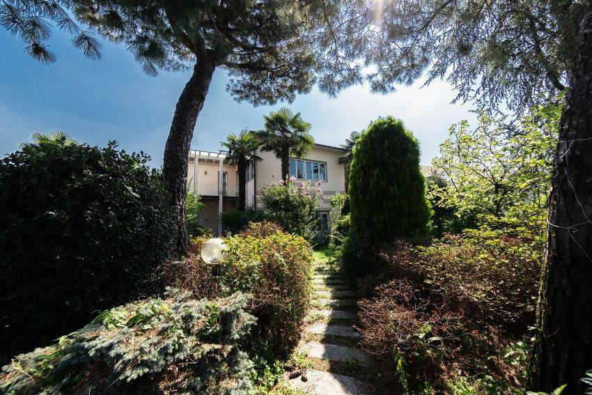 Villa in Vendita a Busto Arsizio