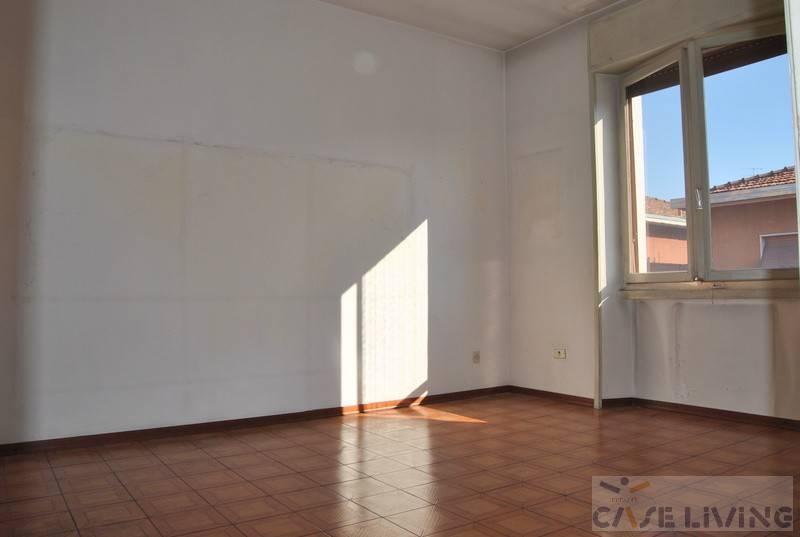 Appartamento da ristrutturare in vendita Rif. 8171124