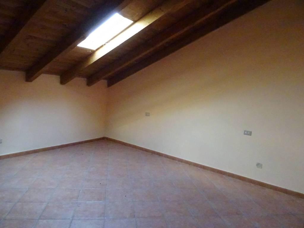Appartamento in buone condizioni in vendita Rif. 8170846
