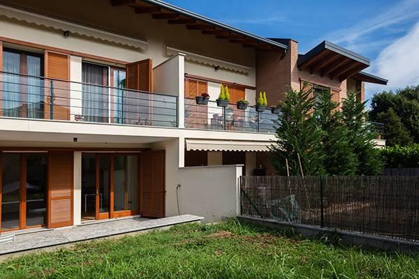 Appartamento in ottime condizioni parzialmente arredato in vendita Rif. 8171136