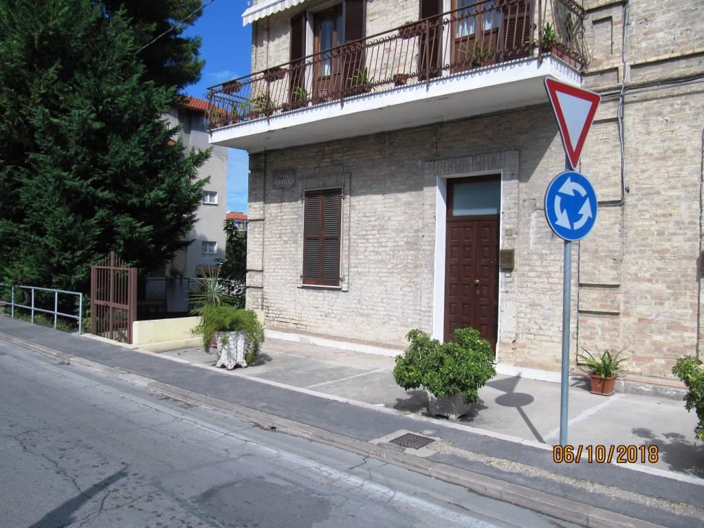 Appartamento arredato in affitto Rif. 8170805