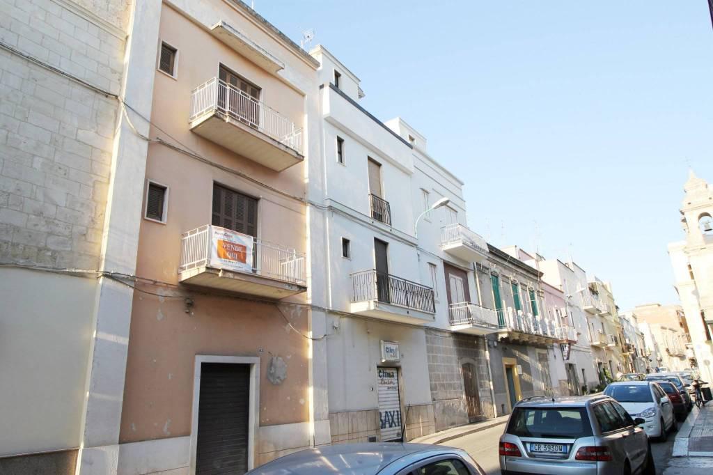 Appartamento da ristrutturare in vendita Rif. 8172096