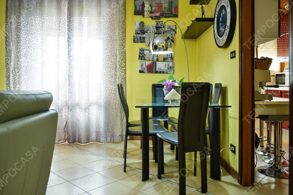 Appartamento in ottime condizioni in vendita Rif. 8885617