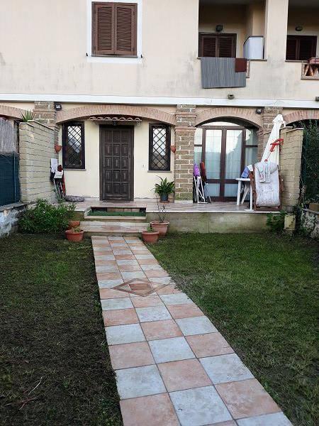 Villa a Schiera in vendita a Cerveteri, 5 locali, prezzo € 150.000 | CambioCasa.it
