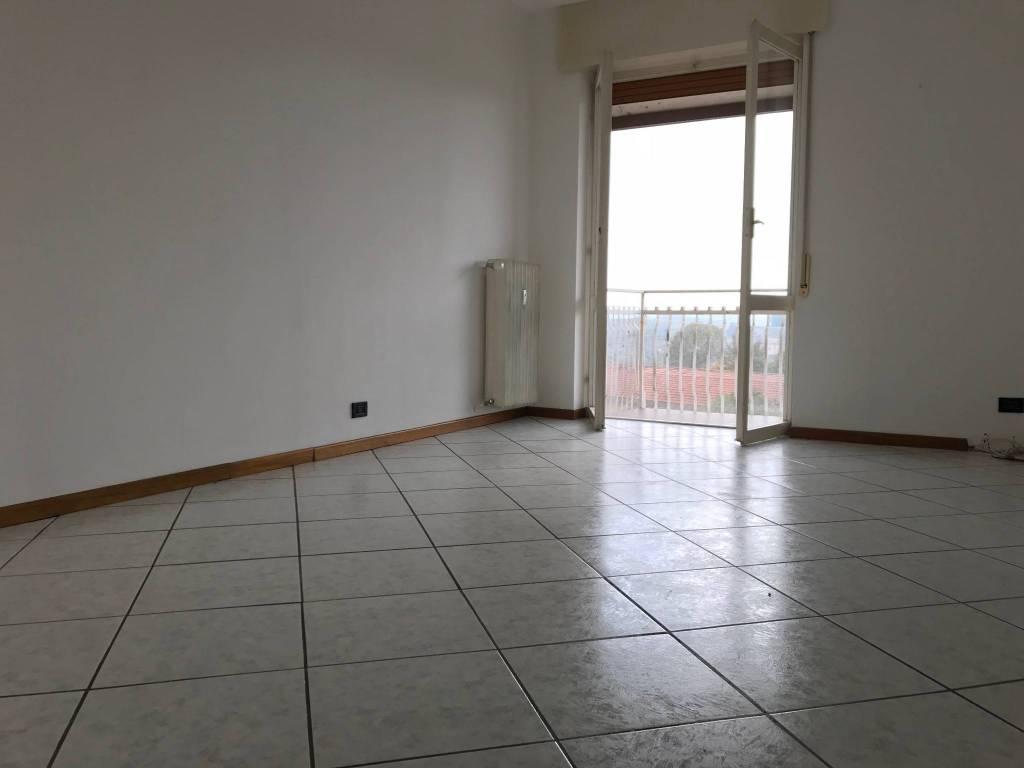Appartamento in buone condizioni in vendita Rif. 8171001