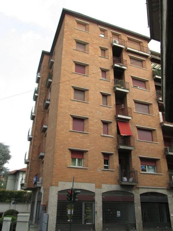 Appartamento in buone condizioni in affitto Rif. 8170401