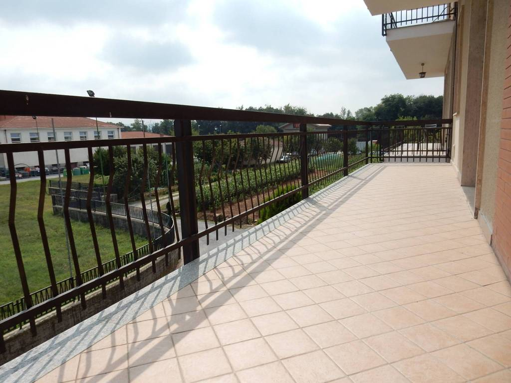 Appartamento in buone condizioni in vendita Rif. 8173594
