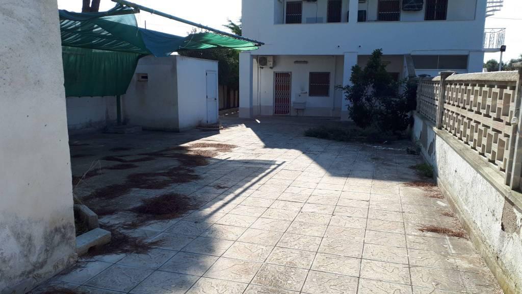 Appartamento arredato in vendita Rif. 8175957