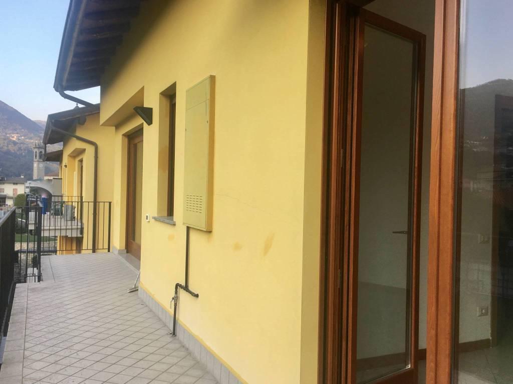 Appartamento in buone condizioni in vendita Rif. 7859497