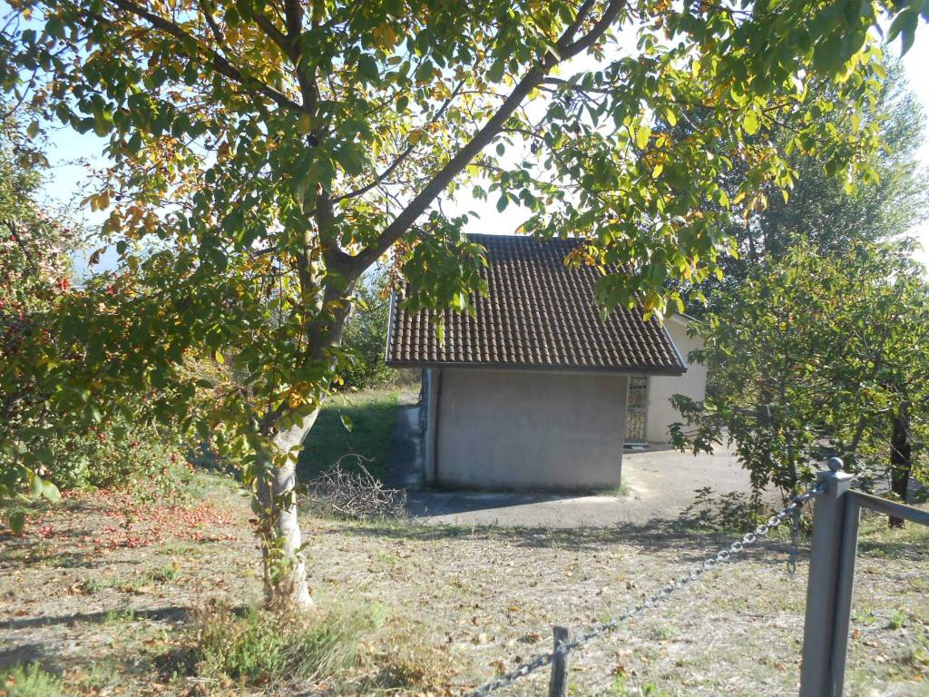 Villa in buone condizioni in vendita Rif. 8177237