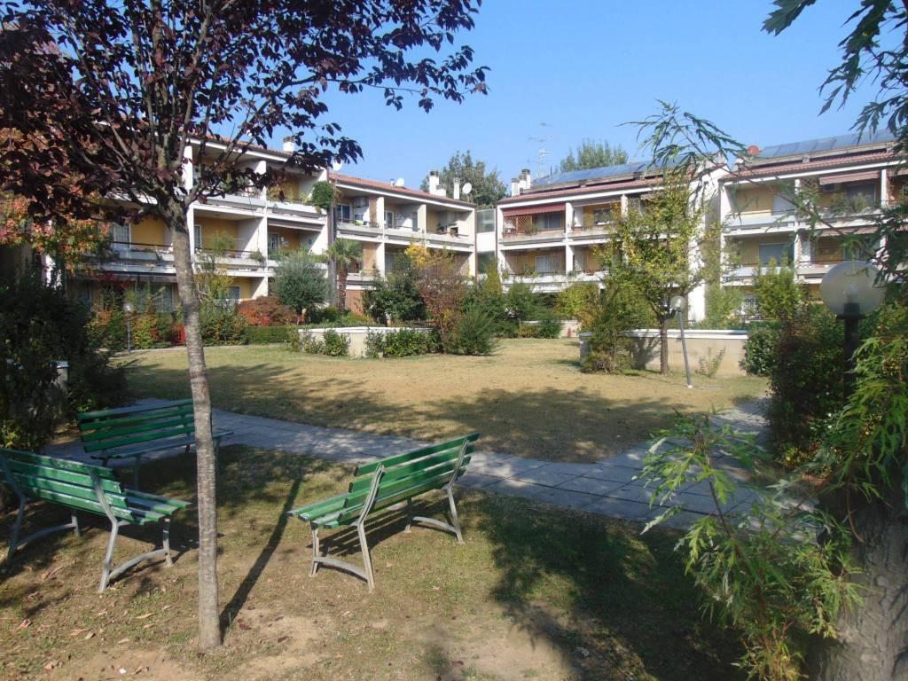 Appartamento in ottime condizioni arredato in vendita Rif. 8173789