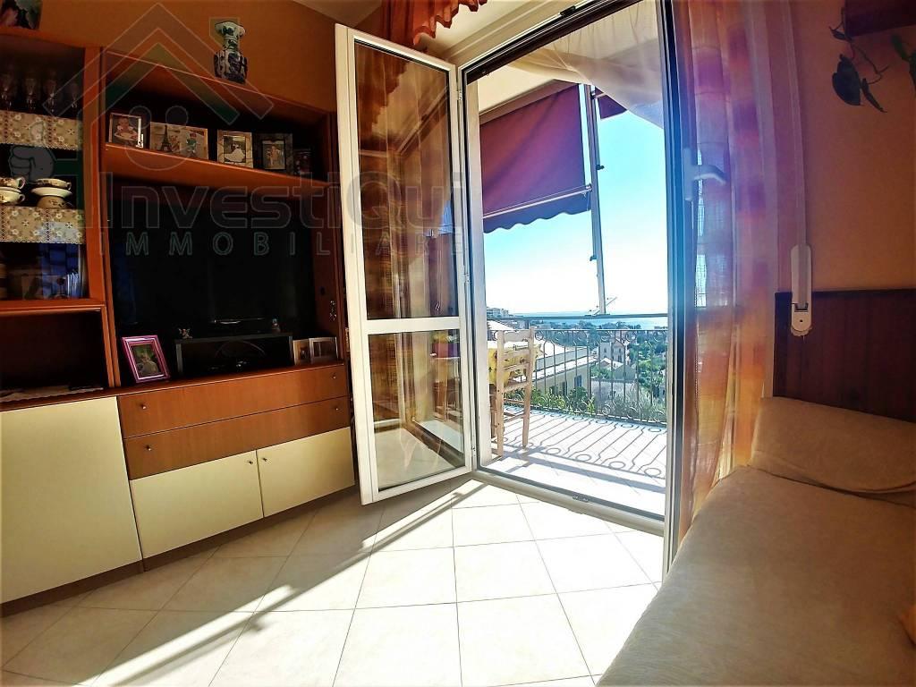 Appartamento in ottime condizioni arredato in vendita Rif. 8176181