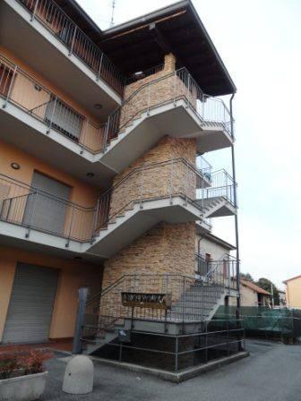 Appartamento in buone condizioni arredato in affitto Rif. 8173123