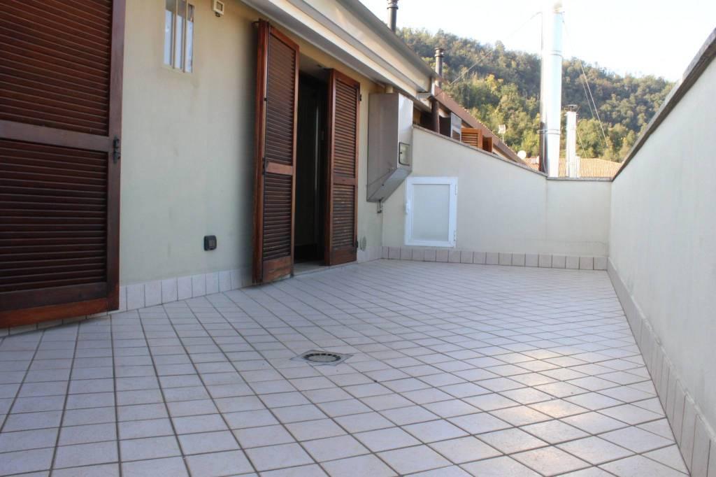 Appartamento in buone condizioni in vendita Rif. 8173826