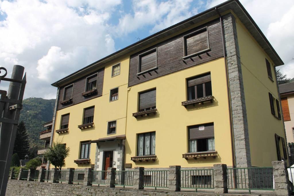 Appartamento quadrilocale a Varzo , provincia Verbania