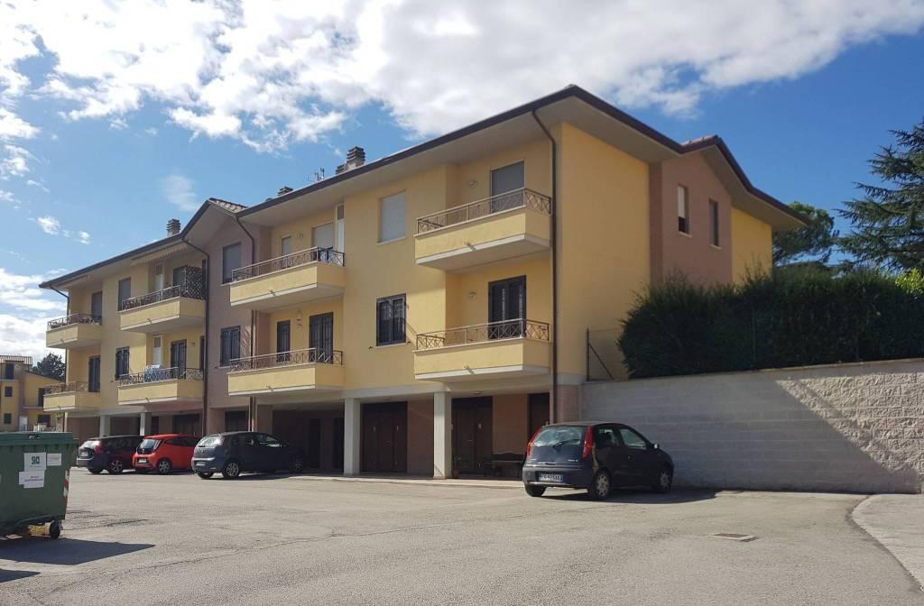 Appartamento in ottime condizioni in vendita Rif. 8173797