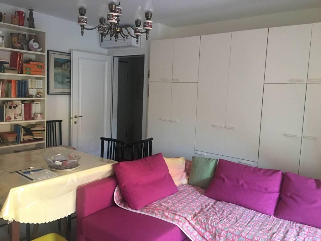 Appartamento in ottime condizioni parzialmente arredato in vendita Rif. 8189985