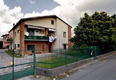 Appartamento in buone condizioni in vendita Rif. 8190440