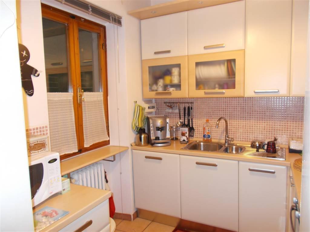 Appartamento in ottime condizioni in vendita Rif. 8185670