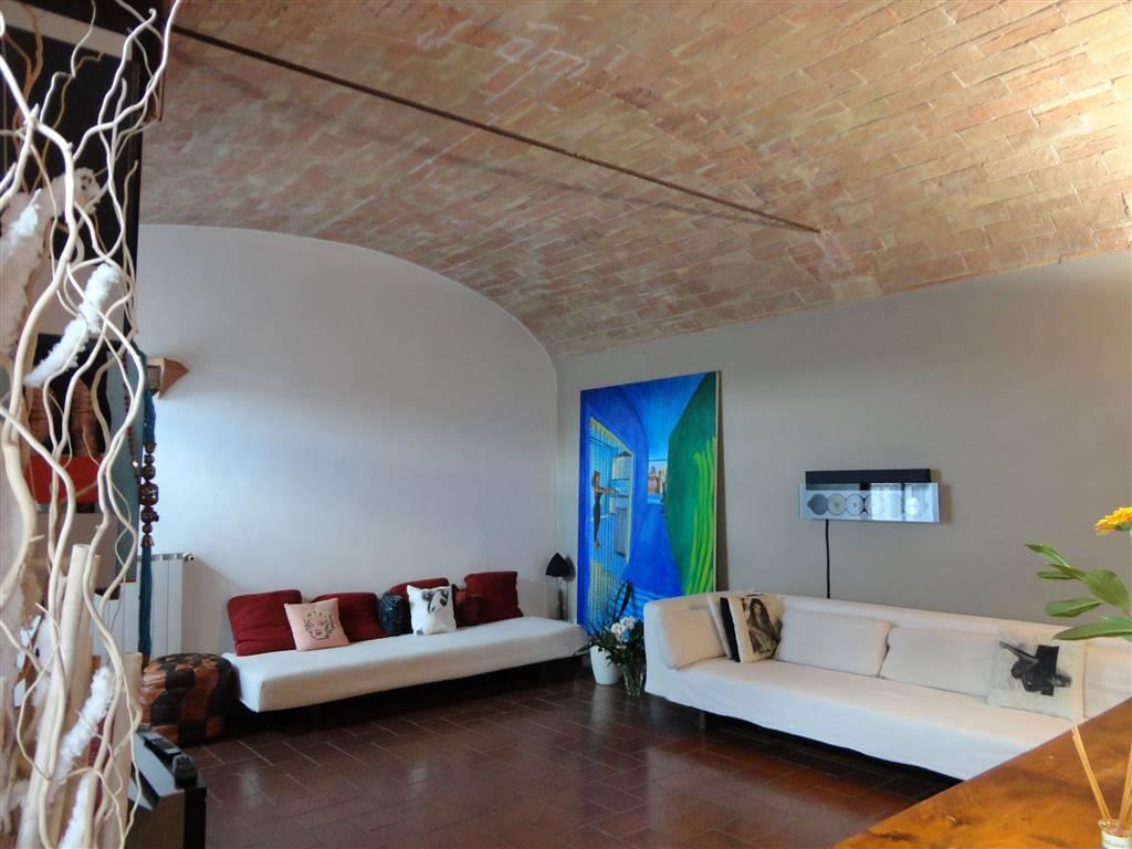 Appartamento in ottime condizioni in vendita Rif. 8187765