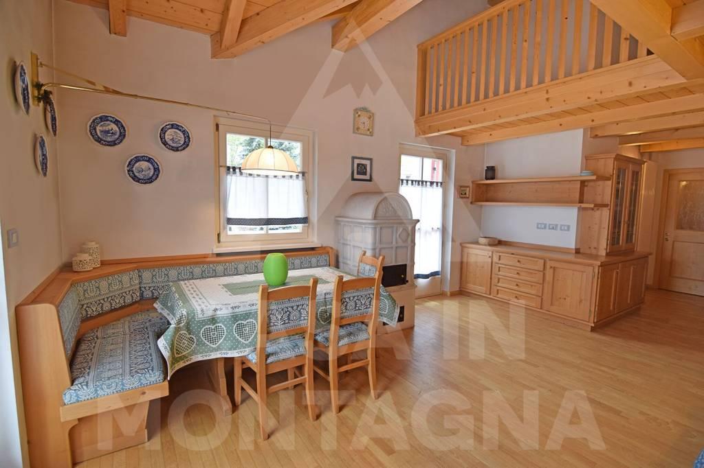Appartamento in ottime condizioni arredato in vendita Rif. 6710500