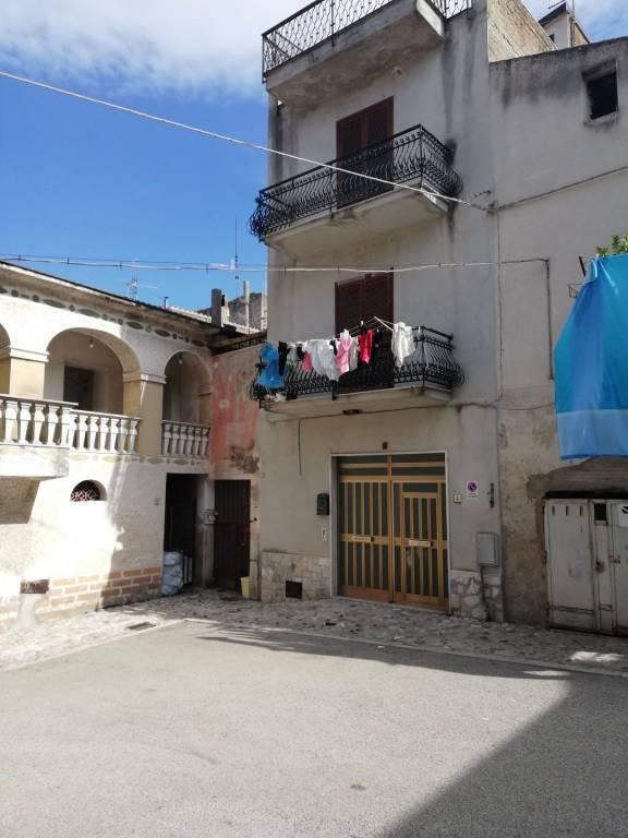 Casa indipendente quadrilocale in vendita a Melizzano (BN)