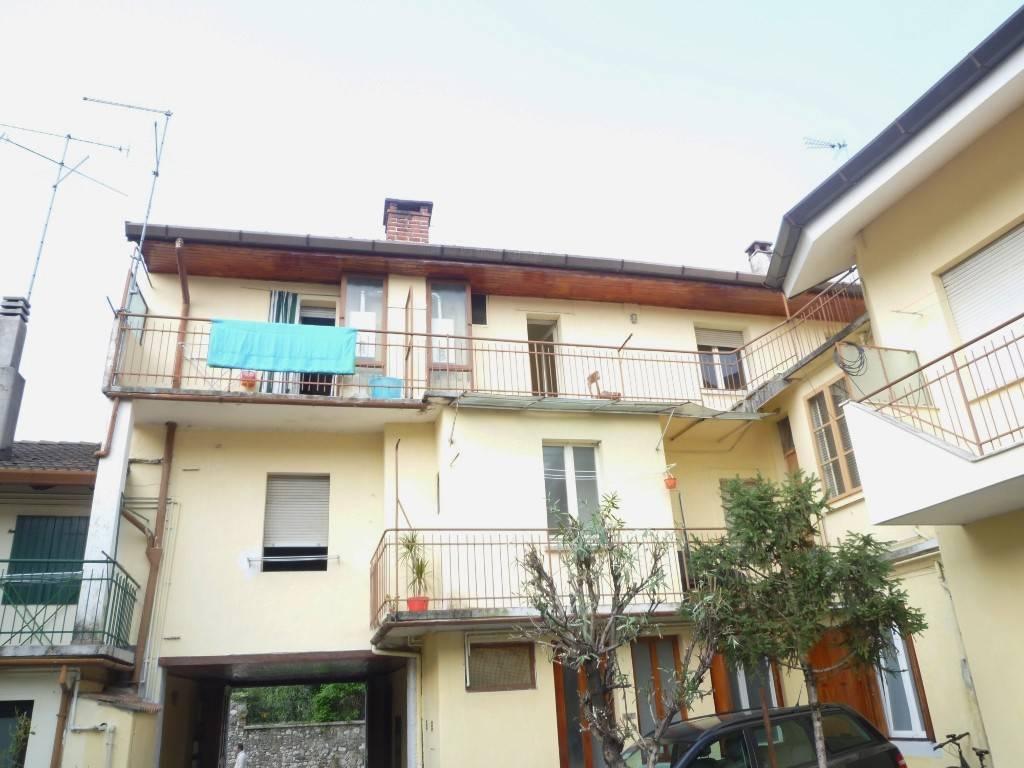 Stabile / Palazzo in buone condizioni in vendita Rif. 9195148