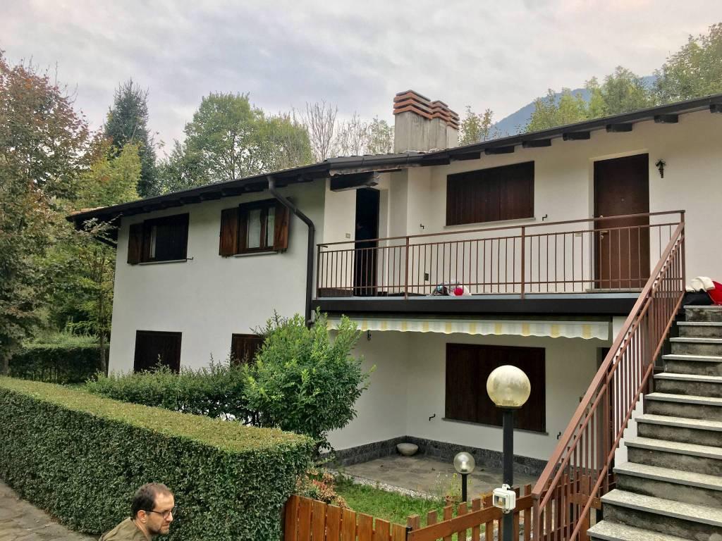 Appartamento in ottime condizioni parzialmente arredato in vendita Rif. 8177001
