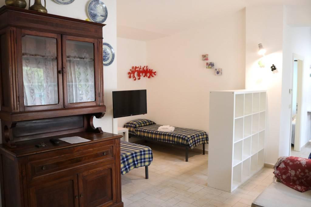 Appartamento in ottime condizioni arredato in affitto Rif. 8644722