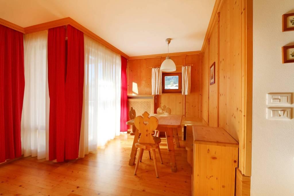 Appartamento in ottime condizioni arredato in vendita Rif. 7295543