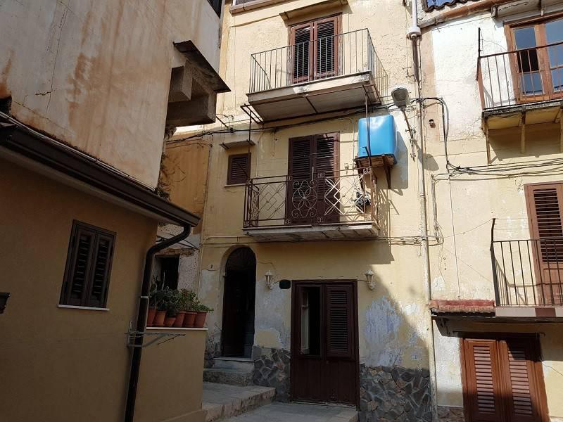 Appartamento di 93 mq su due livelli zona Monreale