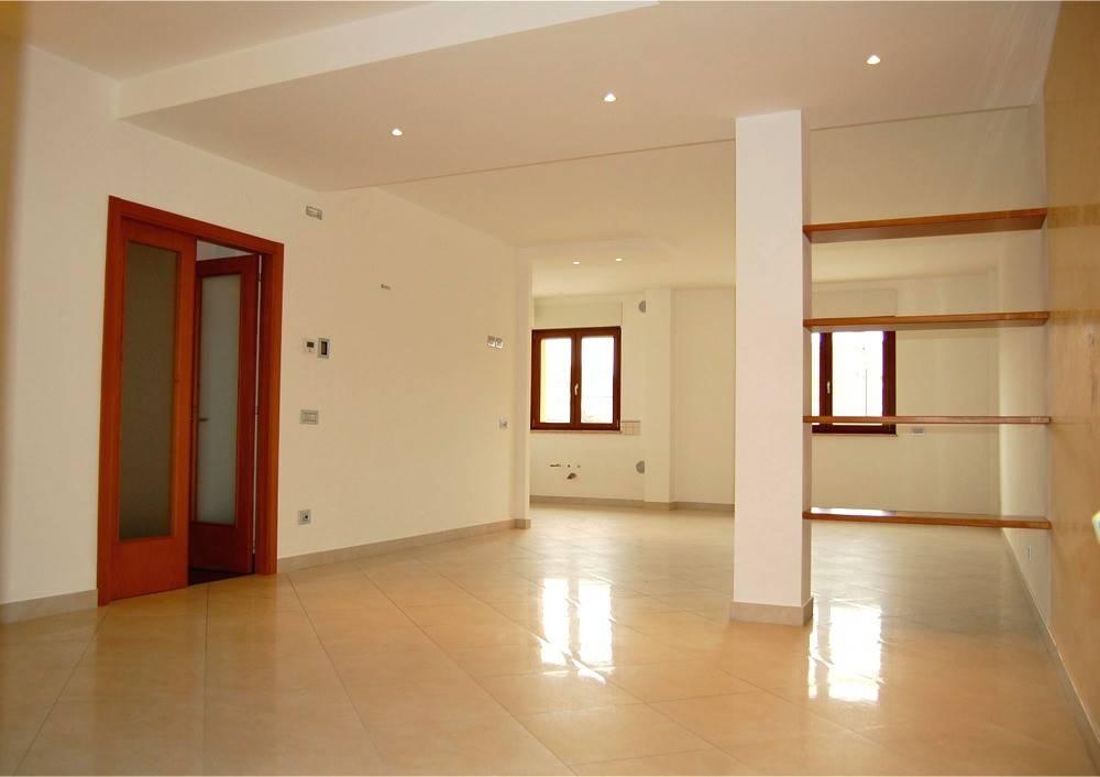 Appartamento in ottime condizioni in affitto Rif. 4517474