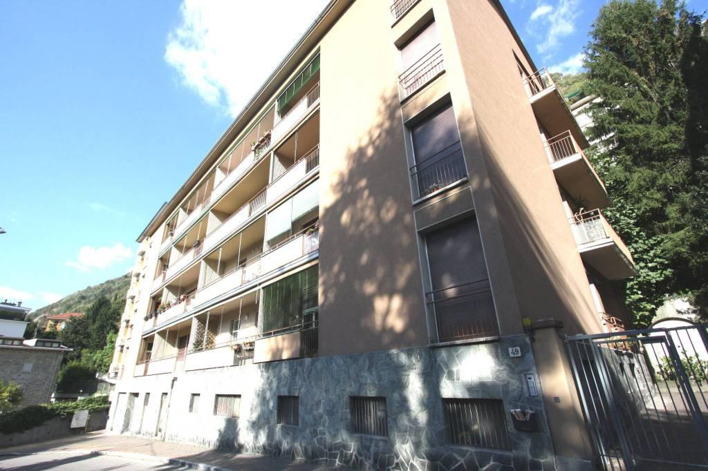 Appartamento in buone condizioni in vendita Rif. 8186903